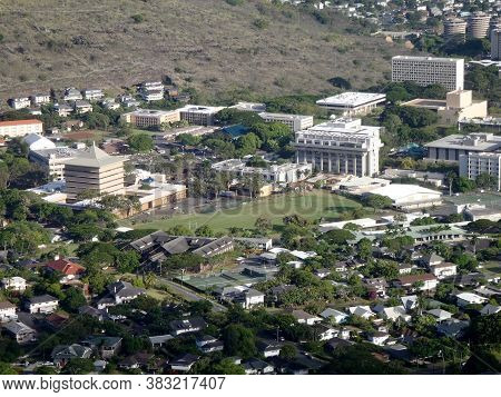 Honolulu - August 29, 2010: Aerial View Of Landmark Mid Pacific Institute, University Of Hawaii, And