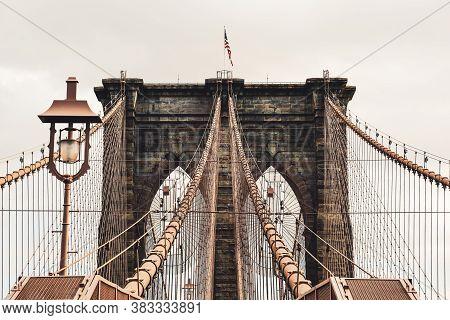 Amazing Brooklyn Bridge. New York's Famous Landmark