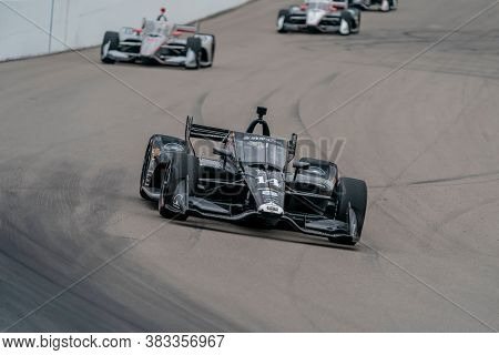 August 29, 2020 - Madison, Illinois, USA: TONY KANAAN (14) of Salvador, Brazil  races through the turns during the  race for the Bommarito Automotive Group 500 at World Wide Technology Raceway