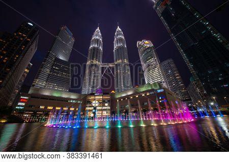 George Town, Kuala Lumpur/malaysia - Jun 12 2017: Klcc Tower With Beautiful Fountain At Night.