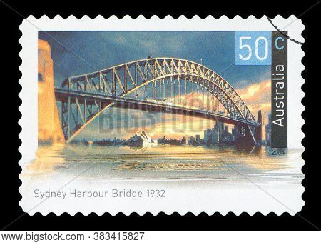 Australia - Circa 2004: A Used Postage Stamp From Australia, Depicting An Image Of Sydney Harbour Br