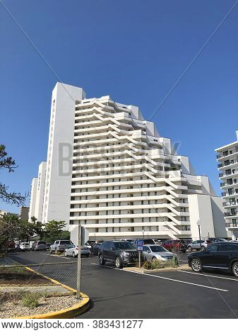 Ocean City, Md: Pyramid Beachfront Condominium Complex Located On 95th Street And Coastal Highway (j