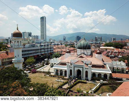 Georgetown, Penang/malaysia - Feb 28 2020: Aerial View Masjid Kapitan Keling Mosque Full Of Muslim P