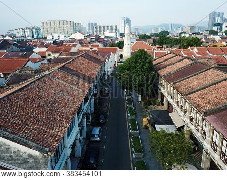Georgetown, Penang/malaysia - Mar 21 2020: Aerial View Old Heritage House. Background Is Acheh Mosqu