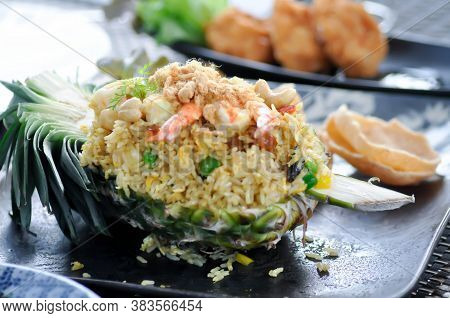 Stir Fried Rice With Pineapple, Pineapple Fried Rice With Pineapple