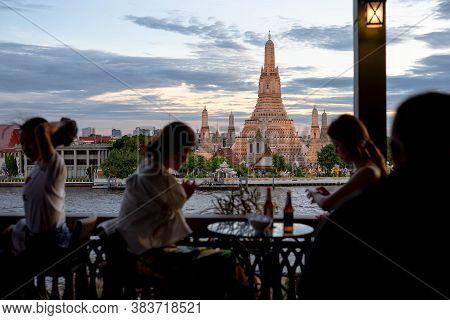 Wat Arun, Thailand - July 29, 2019: Unidentified Enjoy Eating At The Restaurant Beside Wat Arun Rung