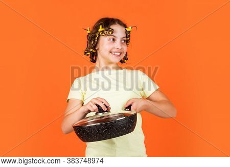 Pin Up Style. Girl Hold Frying Pan. Little Kid Hold Pan Cooking Meal. Shop Home Utensils. Kitchen Ac