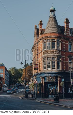 London, Uk - August 20, 2020: View Of The Kings Head, Corner Pub In Crouch End, An Area In North Lon