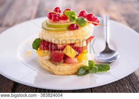 fruit and puff pastry cake