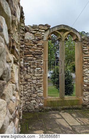Mittagong, Australia - Mar 23, 2019: Skeletal Remnant Of Vintage European Style Sandstone House Pres