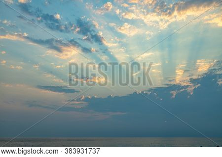 Heaven Dreaming Sunset With Sun Rays Penetration Cloudy Sky