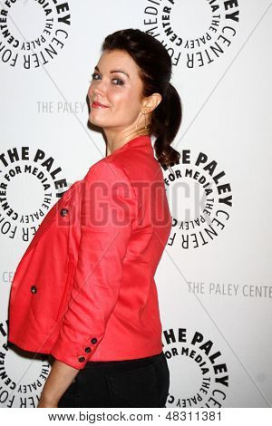 LOS ANGELES - JUL 16:  Bellamy Young arrives at