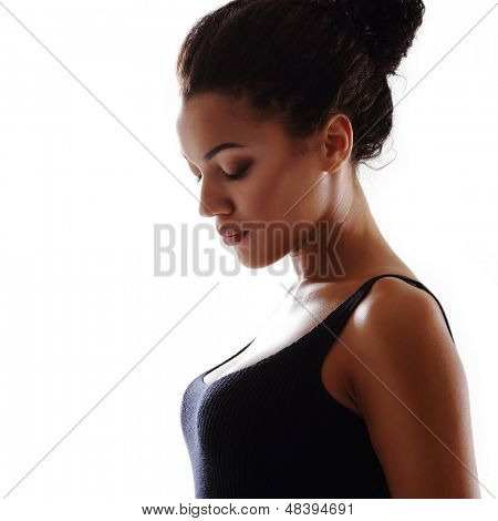Beauty portrait of young mulatto fresh fashion woman