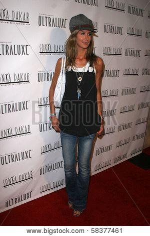 Lady Victoria Hervey at the Sonya Dakar Skin Clinic Opening. Sonya Dakar SKin Clinic, Beverly Hills, CA. 10-24-06