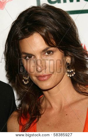 Cindy Crawford at the 21st Annual American Cinematheque Award Honoring George Clooney. Beverly Hilton Hotel, Beverly Hills, CA. 10-13-06