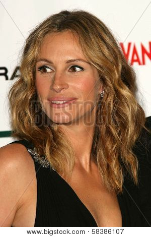 Julia Roberts at the 21st Annual American Cinematheque Award Honoring George Clooney. Beverly Hilton Hotel, Beverly Hills, CA. 10-13-06