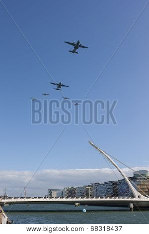 Dublin, Ireland - Sept 15: Flightfest Over Samuel Beckett Bridge In Dublin Ireland On September 15,