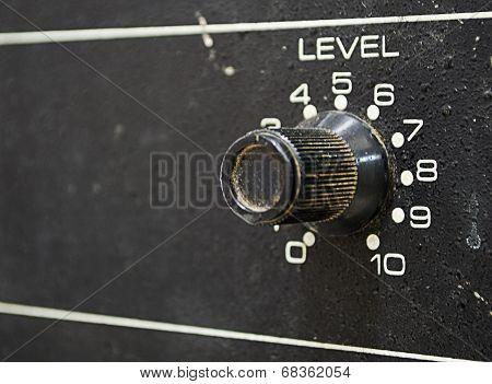 Level knob