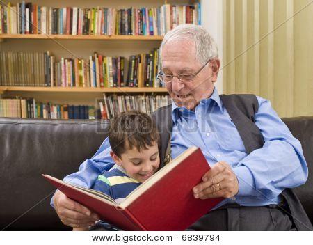 Tiempo de historias con el abuelo