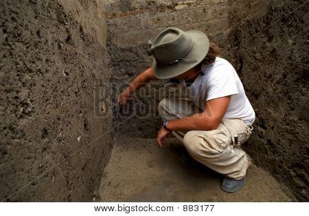 Archaelogist