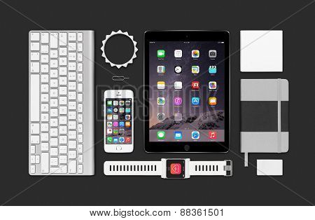 Apple Products Mockup Consisting Ipad Air 2, Iphone 5S, Keyboard And Smartwatch Concept
