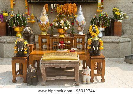 Temple in Bangkok Thailand in the Yan Nawa area poster