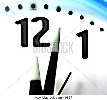Glowing Clock Macro
