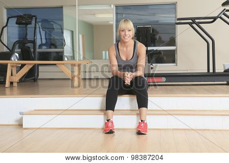 athlete on sit on a gym