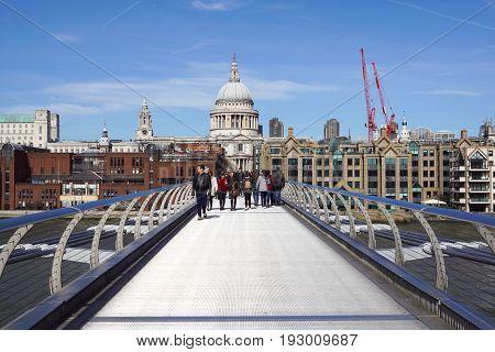 22th March 2017 - London, UK. London Landmarks : River Thames , Millennium Bridge and St Paul Cathedral