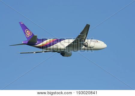 Boeing 777-200 Hs-tjf Of Thaiairway