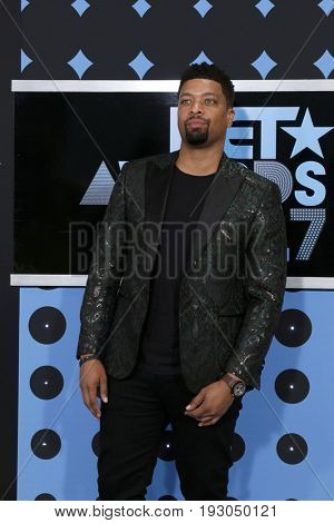 LOS ANGELES - JUN 25:  DeRay Davis at the BET Awards 2017 at the Microsoft Theater on June 25, 2017 in Los Angeles, CA