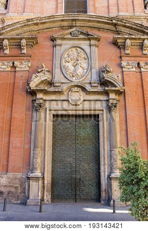 Door Of The Santo Tomas Church In Valencia