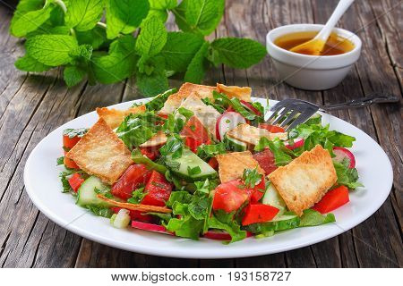 Tasty Bread Salad With Pita Croutons