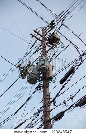 Electricity post in Japan good manage electric cable.