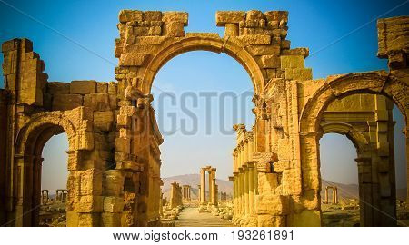 Roman Palmyra arch now destroyed - 04-01-2011 Syria