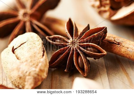 Star Anise, Cinnamon and Almonds