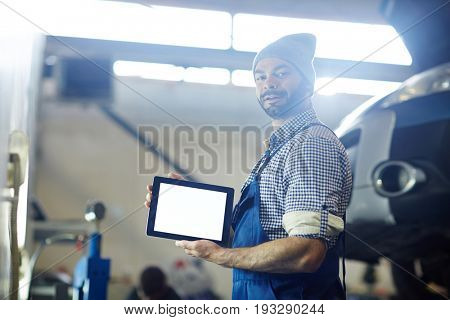 Mobile mechanic with touchpad sharing online data