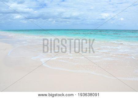 Paradise beach on Eleuthera island Bahamas, Scenic view
