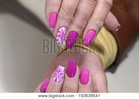 Summer Manicure Design With Flowers