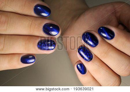 Manicure Design Blue Sky