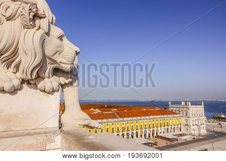 The lions on Augusta Street Arch in Lisbon - LISBON - PORTUGAL