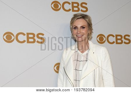 Actress Jane Lynch attends the 2015 CBS Upfront at The Tent at Lincoln Center on May 13, 2015 in New York City.