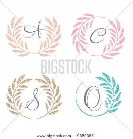 Tropical palm leaves foliage wreath round frame. Wreath icon. Wreath logo. Vector illustration. Tropical jungle palm tree background. Invitation template greeting card template.