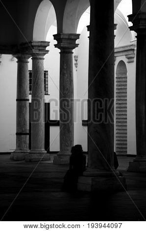 Love hidden from the columns of the porch
