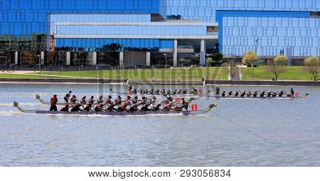 Tempe, Arizona / United States - March 30, 2019: Unnamed Teams Race Toward The Finish Line During Th