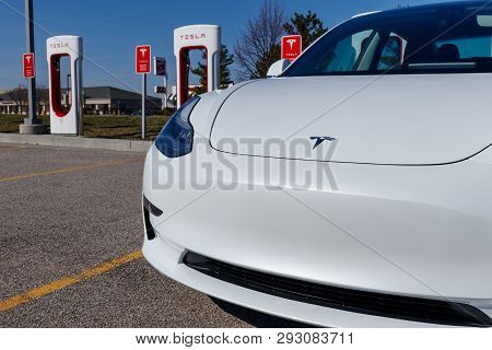 Lafayette - Circa April 2019: Tesla Supercharger Station. The Supercharger Offers Fast Recharging Of