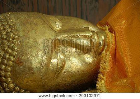 Bodh Gaya, India - February 8, 2006: Beautiful Buddha Statues In Mahabodhi Stupa Bodh Gaya At Bihar