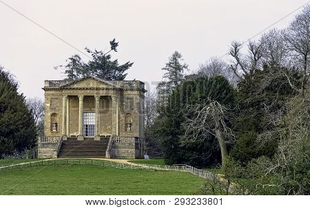 Stowe, Buckinghamshire, Uk - March 28: Queens Temple Or Ladys Temple On Hawkwell Field On March 28,