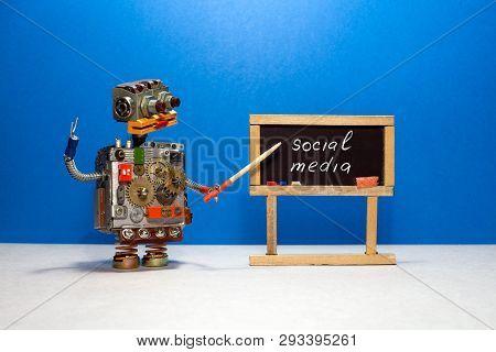 Robot Professor Explains The Essence Of The Concept Of Social Media. Robotic Artificial Intelligence