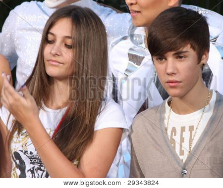 LOS ANGELES - JAN 26:  Paris Jackson, Justin Bieber at the Michael Jackson Immortalized  Handprint and Footprint Ceremony at Graumans Chinese Theater on January 26, 2012 in Los Angeles, CA